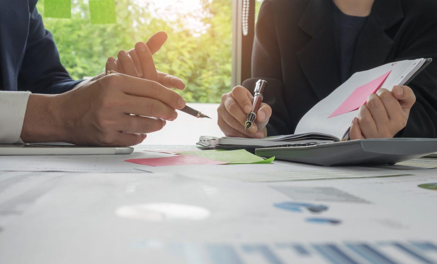 Gérer les achats et contrats liés au projet